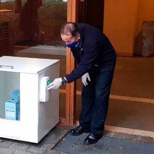 Cubo sanitizador de encomiendas y delivery