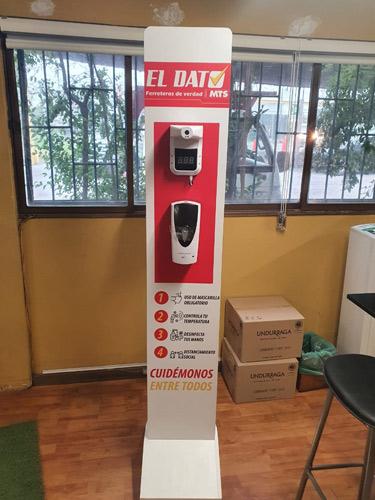 Tótem sanitario con dispensador de gel en ferretería el dato