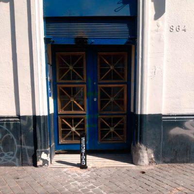 Pilón Entrada Banco de Chile