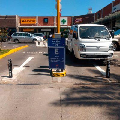 Pilones estacionamiento Stripcenter Las Condes